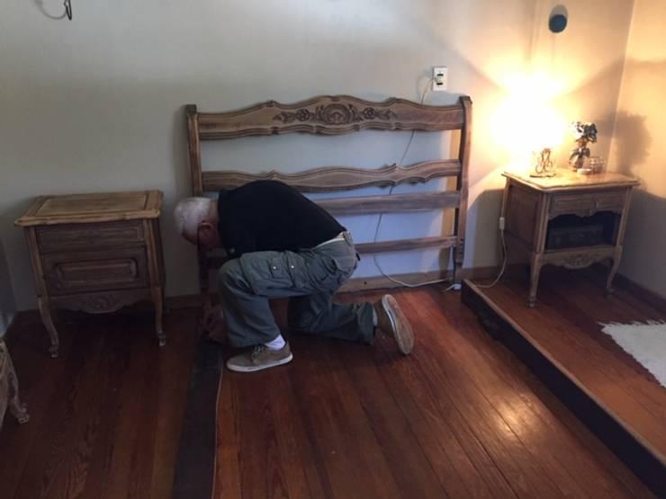 Armado de cabecera de cama: Dormitorios de estilo  por ANADECO - Decoradora y Diseñadora de Interiores - La Plata,
