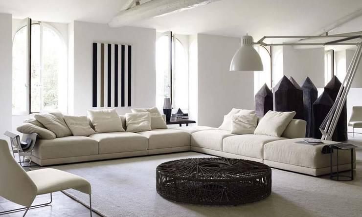 B&B ITALIA家具設計,意大利創新工藝:  客廳 by 北京恒邦信大国际贸易有限公司