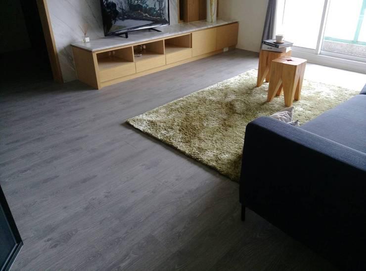 北成路:  客廳 by 昇揚木地板