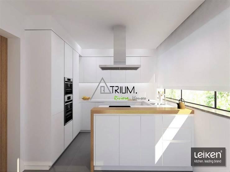 Single house—Cascais:  Kitchen by Atrium Projetos e Construção
