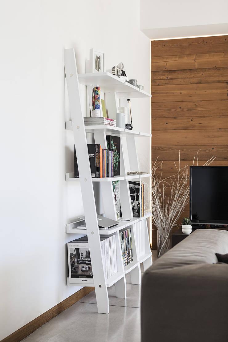 Librero Climb Lateral: Salas de estilo  por BMAA