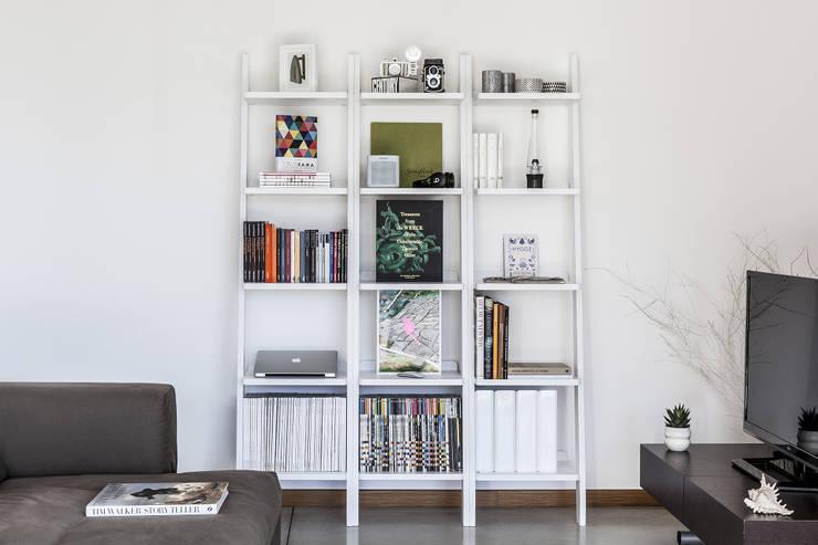 Composición Librero Climb: Salas de estilo  por BMAA