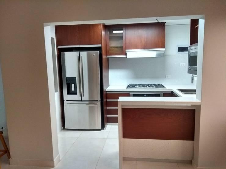 COCINA : Muebles de cocinas de estilo  por Design Comercial