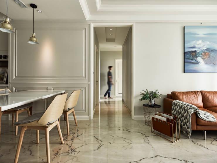 人類的渺小:  走廊 & 玄關 by 耀昀創意設計有限公司/Alfonso Ideas