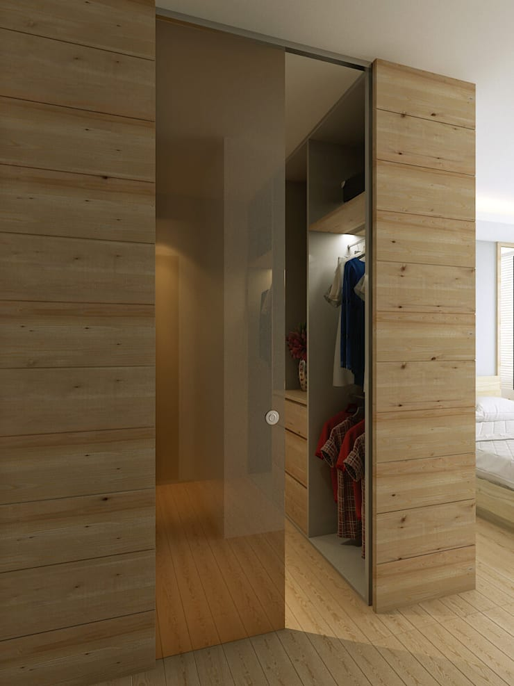 Walk-in wardrobe:  Bedroom by Singapore Carpentry Interior Design Pte Ltd