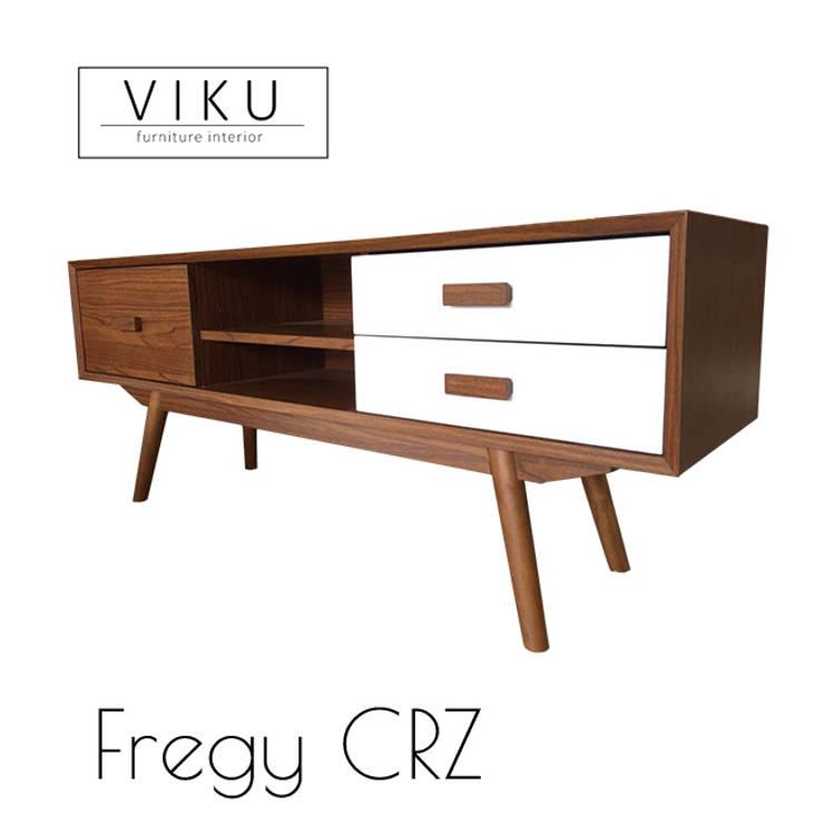 Fregy Credenza:  Living room by viku