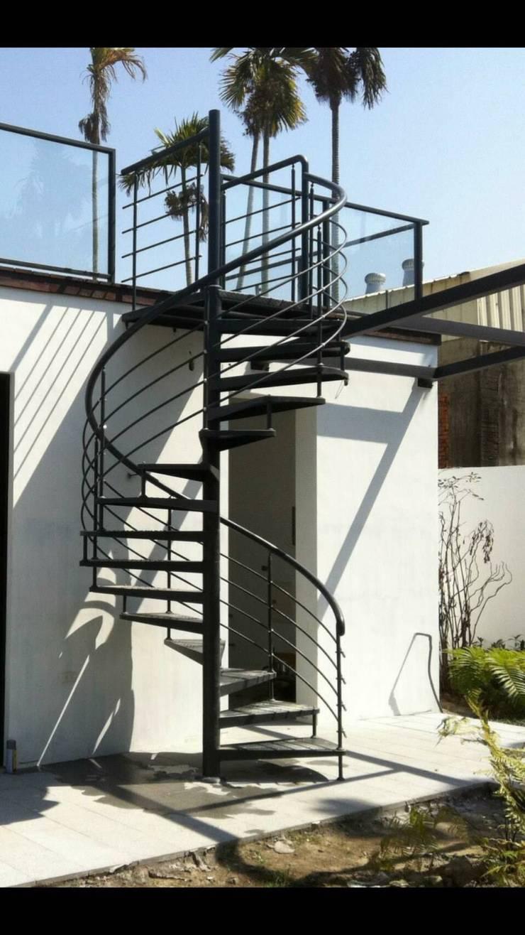 各式旋轉樓梯:  樓梯 by 茂林樓梯扶手工程團隊