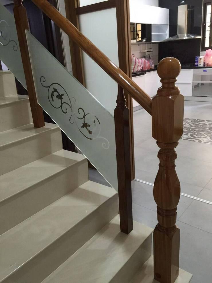 鑲玻璃扶手:  樓梯 by 茂林樓梯扶手地板工程團隊