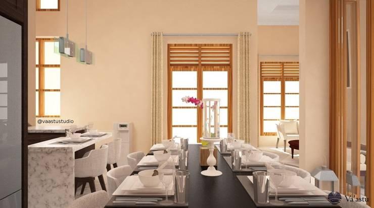 Dining Room - Ruang Makan:  Ruang Makan by Vaastu Arsitektur Studio