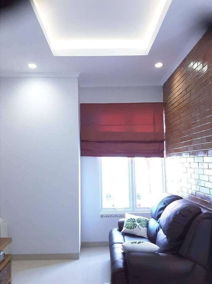 Ruang TV:  Ruang Keluarga by Vaastu Arsitektur Studio
