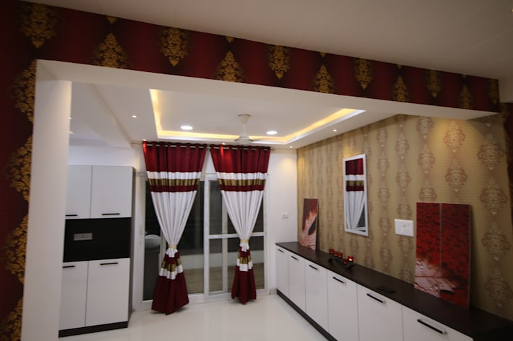 Dining room by Enrich Interiors & Decors
