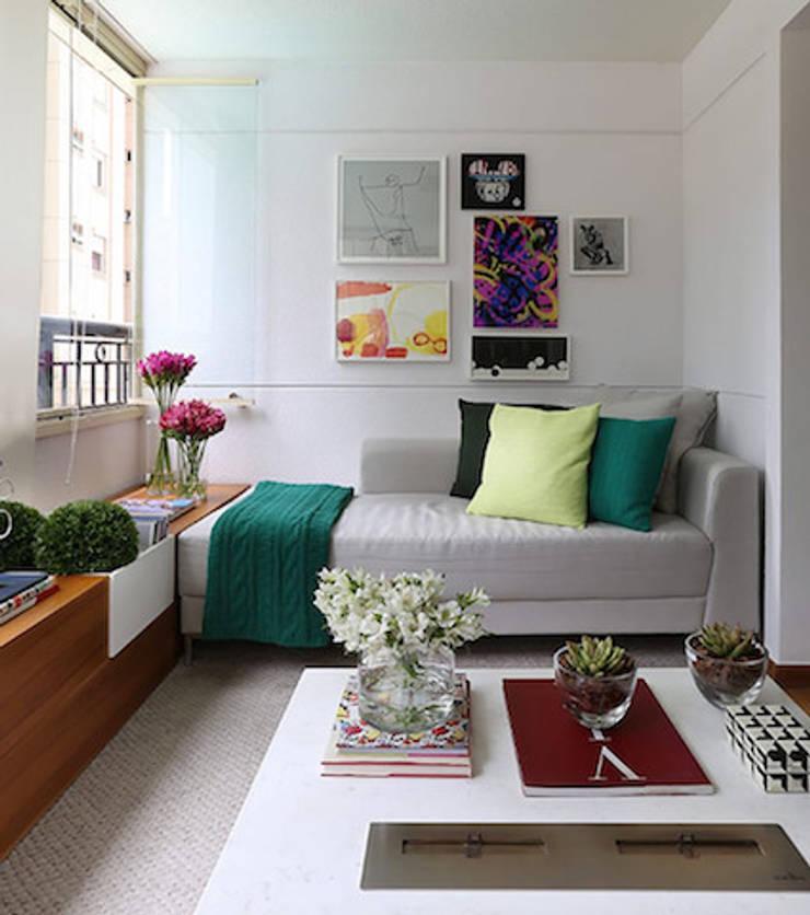 Bộ sưu tập các mẫu sofa giường đẹp:  Office spaces & stores  by Prime Sofa