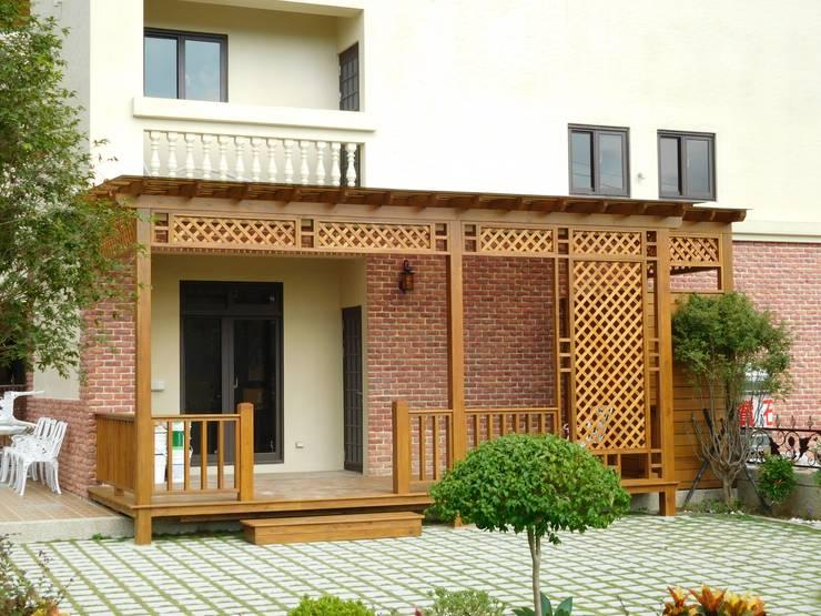 如果你家有個大後院:   by 園匠工坊-採光罩 玻璃屋 小木屋 露台 南方松木作工程