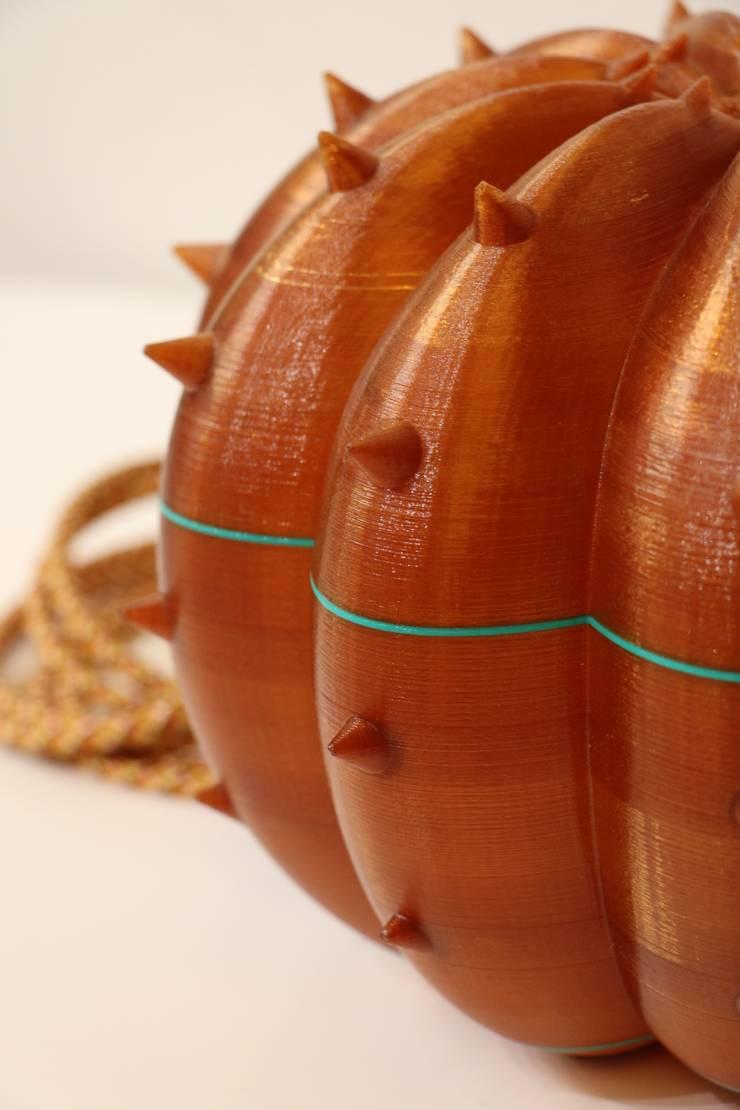 Desert Light modello Echinocactus Caramel: Casa in stile  di SeFa Design by nature