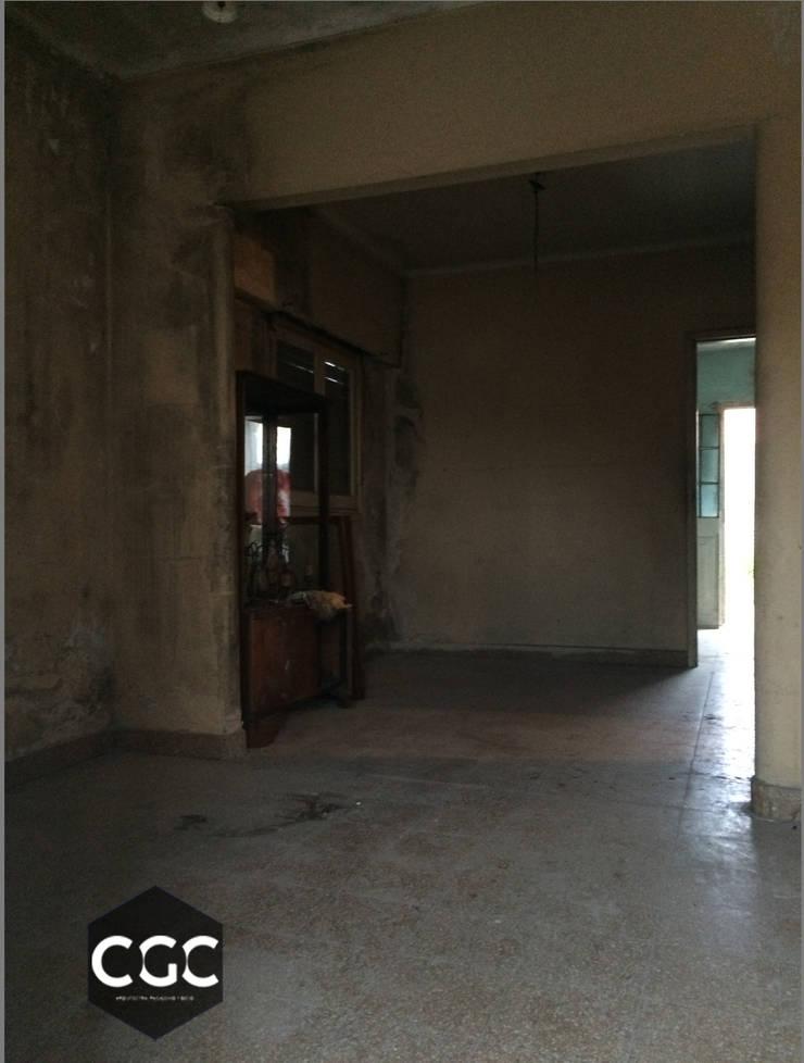Casa 63:  de estilo  por Arquitectos CGC
