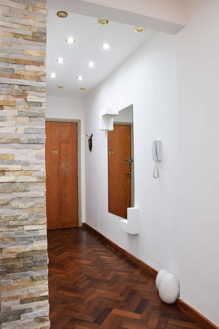 Couloir et hall d'entrée de style  par Arquimundo 3g - Diseño de Interiores - Ciudad de Buenos Aires, Moderne