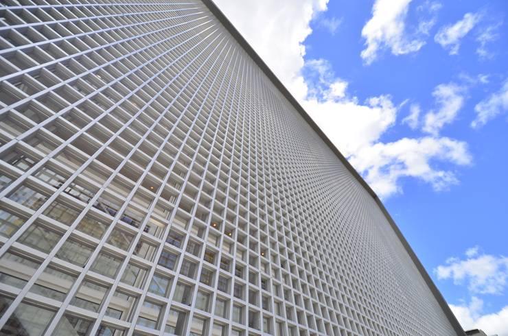 Sede RBS: Edifícios comerciais  por BG arquitetura | Projetos Comerciais