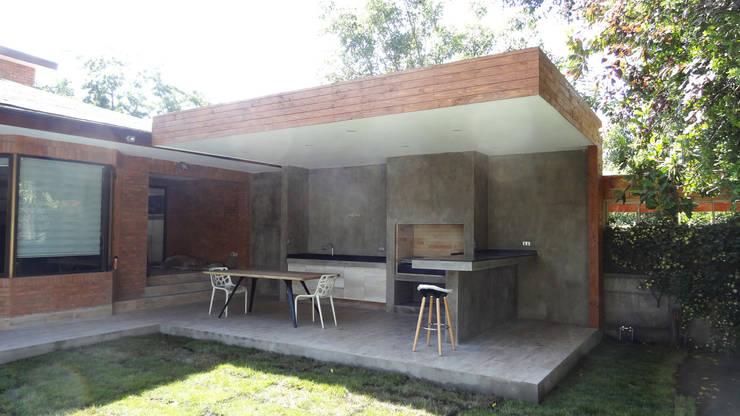 Quincho Lo Matta, 30m2, Vitacura: Terrazas  de estilo  por m2 estudio arquitectos