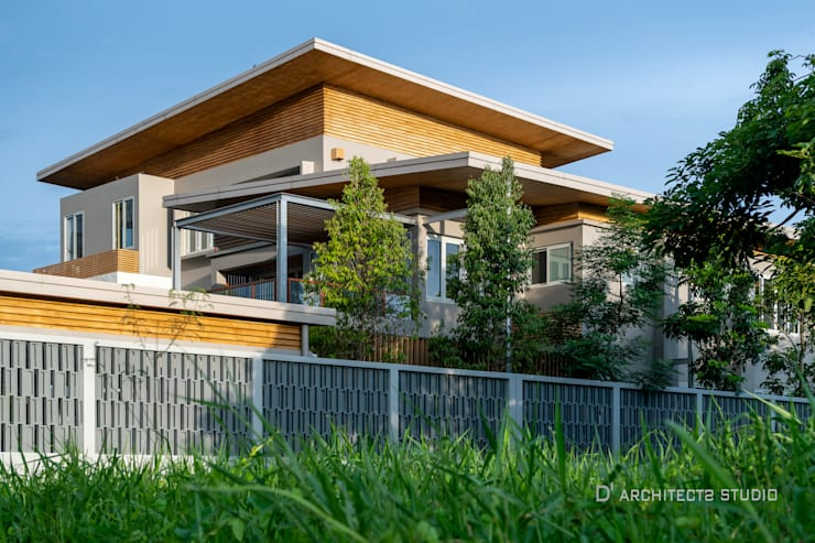 LINEAGE HOUSES:  บ้านและที่อยู่อาศัย by D' Architects Studio