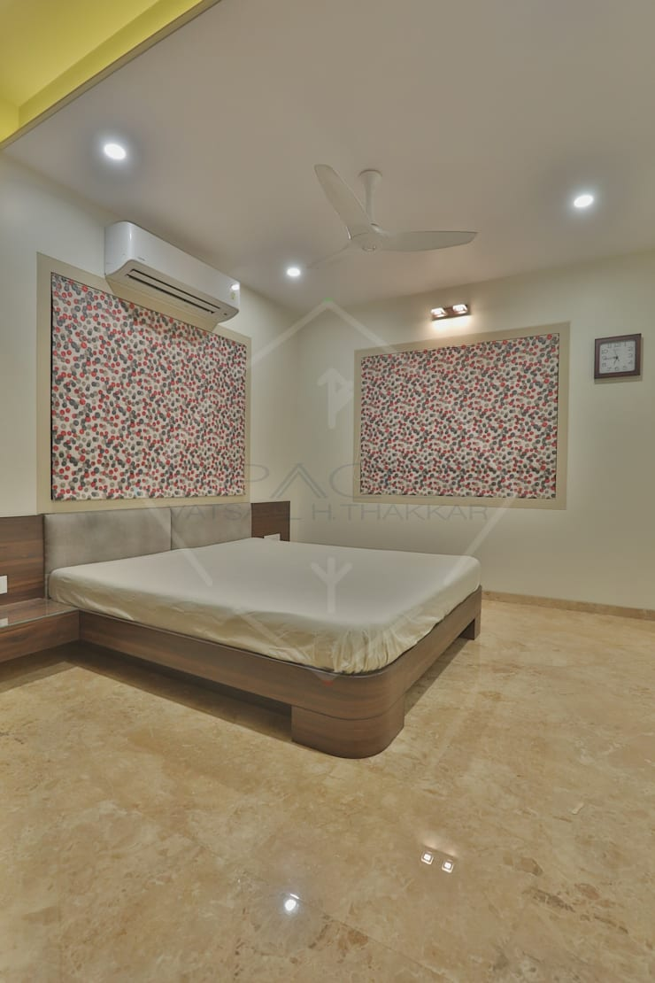 ellipse and more..:  Bedroom by SPACCE INTERIORS