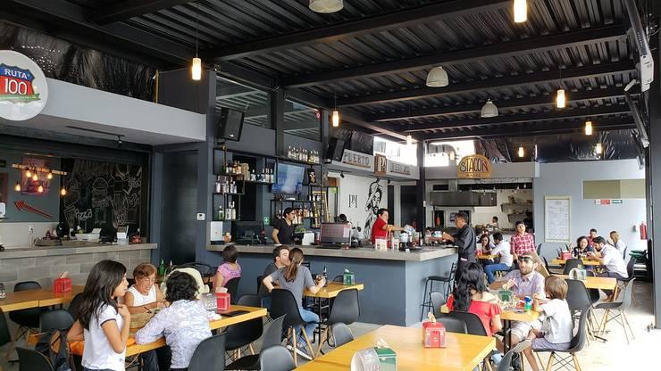 7DIEZ Comedor Urbano: Restaurantes de estilo  por NUV Arquitectura