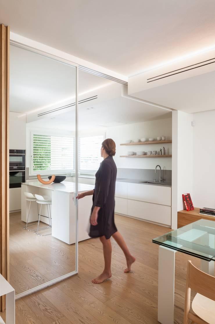 Dapur built in oleh Didonè Comacchio Architects, Minimalis