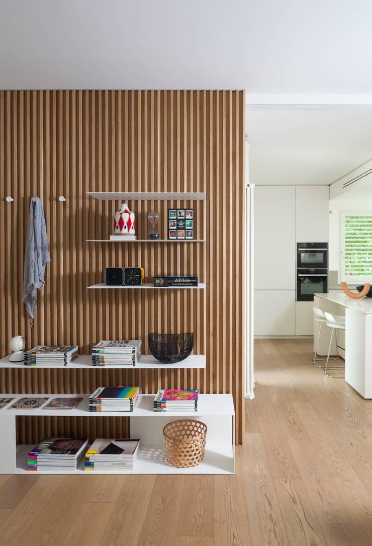 Koridor dan lorong oleh Didonè Comacchio Architects, Minimalis Kayu Wood effect