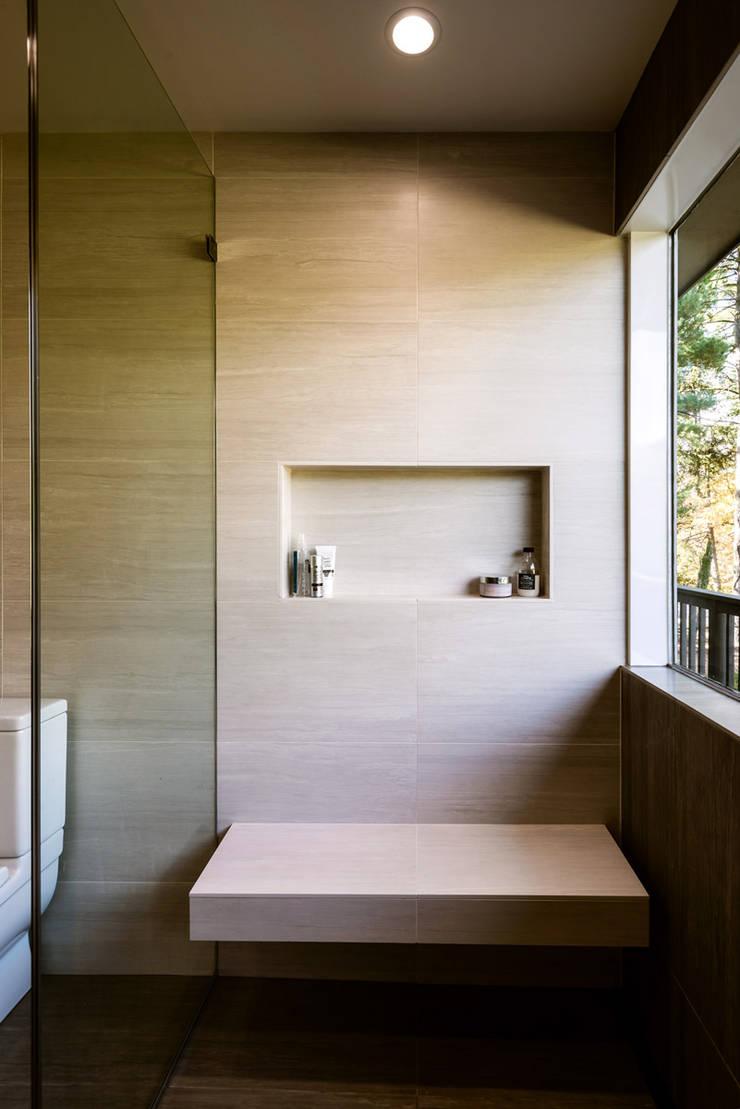 Burningwood Baths:  Spa by KUBE Architecture