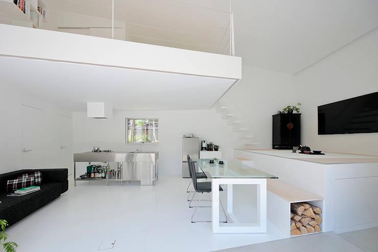 八ヶ岳の離れ: 稲山貴則 建築設計事務所が手掛けたキッチンです。