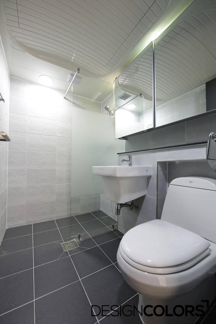 강서구 가양동 가양6단지 아파트 인테리어 22평: DESIGNCOLORS의  욕실,