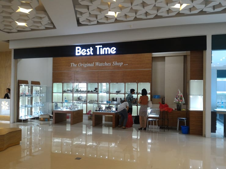 Interior Toko Best Time – Sadira Plaza – Pekanbaru:   by RF Arch & Design
