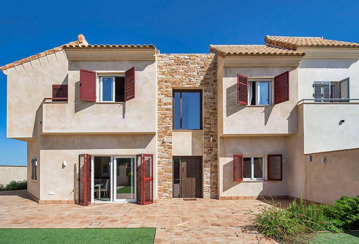 Cuatro Casas en Consolación Casas de estilo mediterráneo de Idearte Marta Montoya Mediterráneo