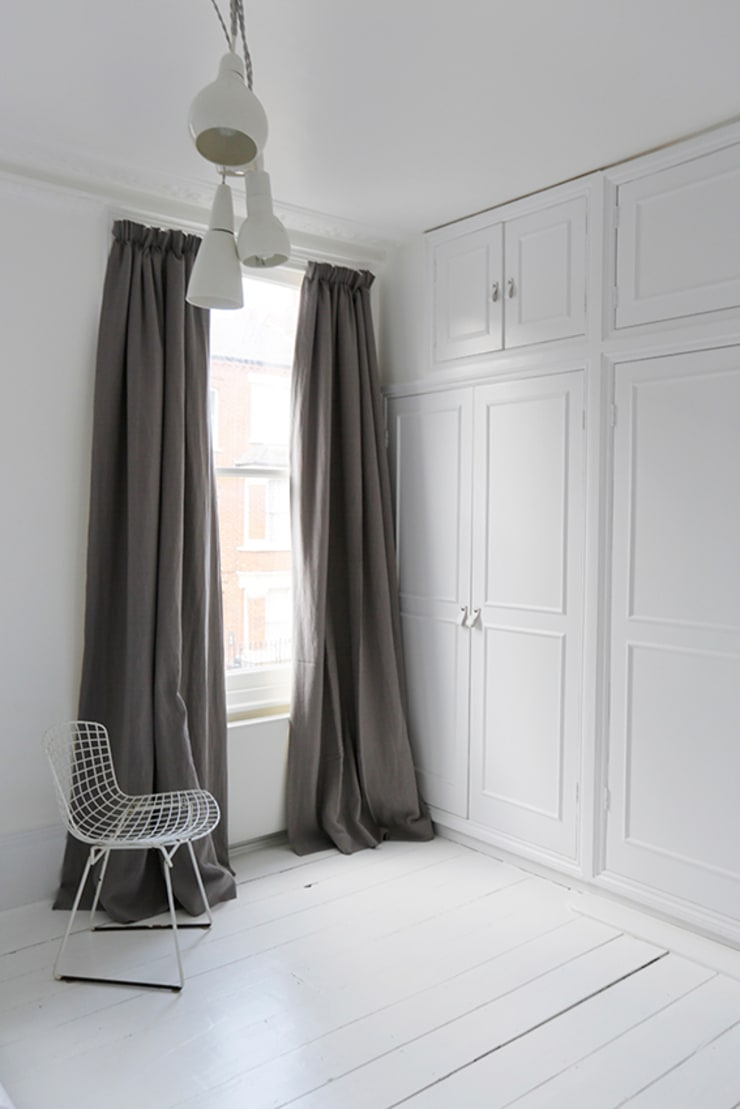 Made to Measure Linen Curtains - Natural Curtain Fabric:  Living room by Ada & Ina Natural Curtain Fabrics, Made To Measure Curtains & Linen Bedding