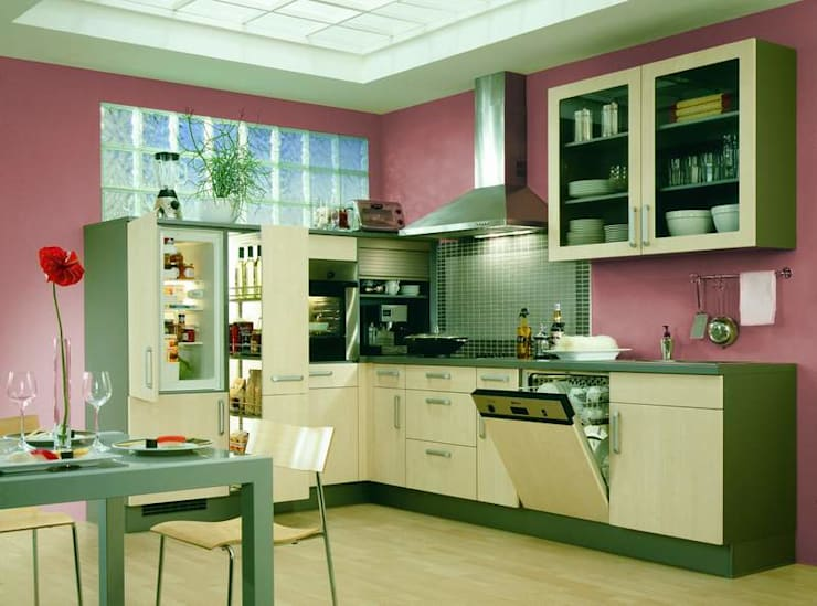 Kitchen by كاسل للإستشارات الهندسية وأعمال الديكور في القاهرة