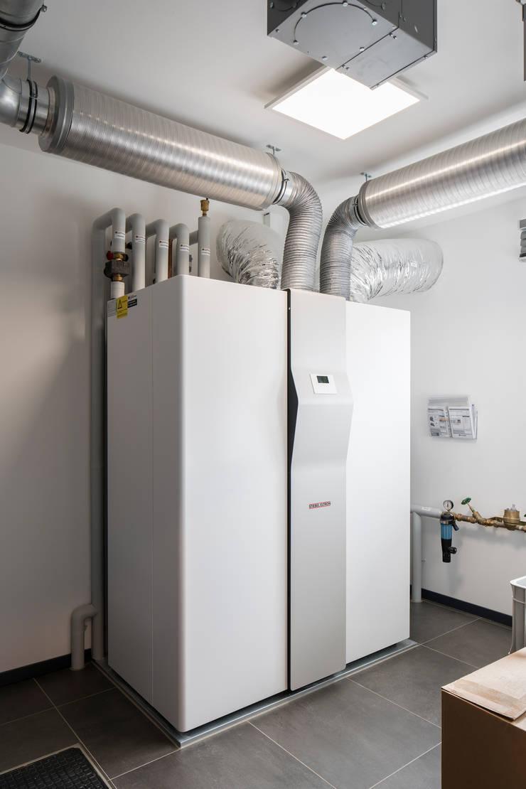 Garage/schuur door FingerHaus GmbH - Bauunternehmen in Frankenberg (Eder),