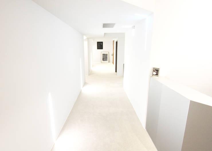 hall  way  旅店長廊設計:  飯店 by XY DESIGN - XY 設計