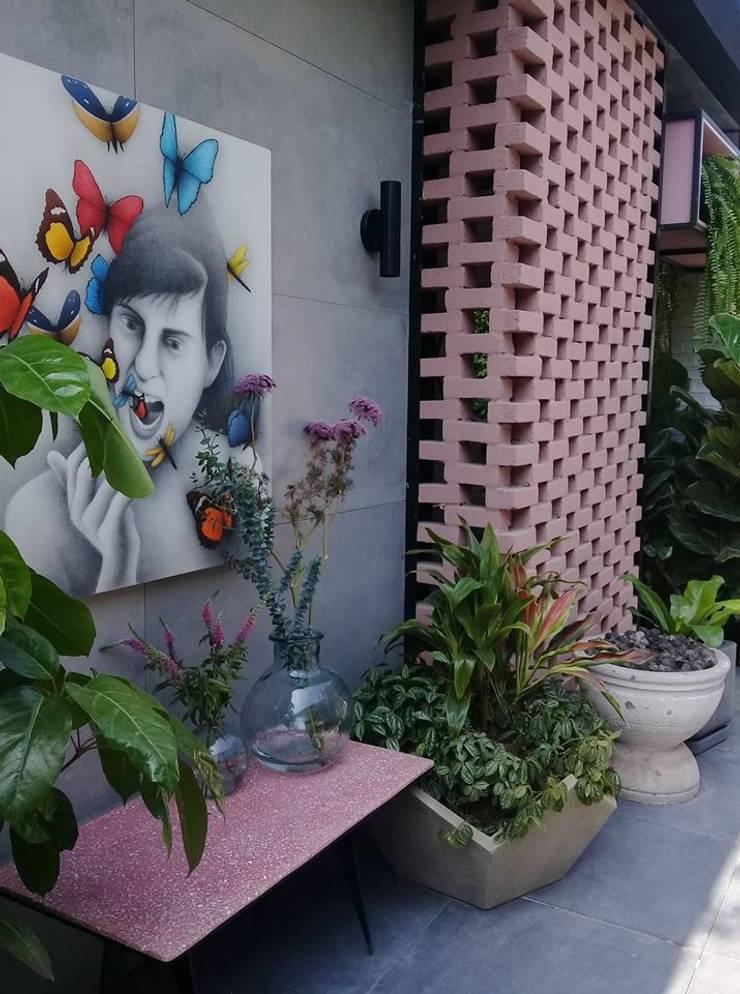 Garden Chic Perú Paisajismo – Loft de Marianne Casacor 2018: Paisajismo de interiores de estilo  por Garden Chic Perú