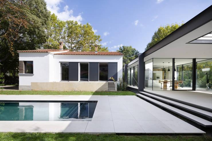 Terrazas de estilo  por Brengues Le Pavec architectes
