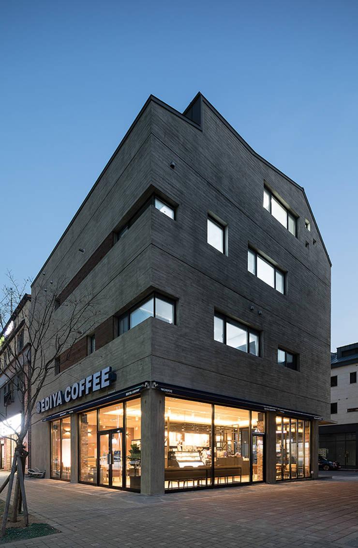 동탄신도시 다가구주택: 삼공사건축사사무소의  다가구 주택,