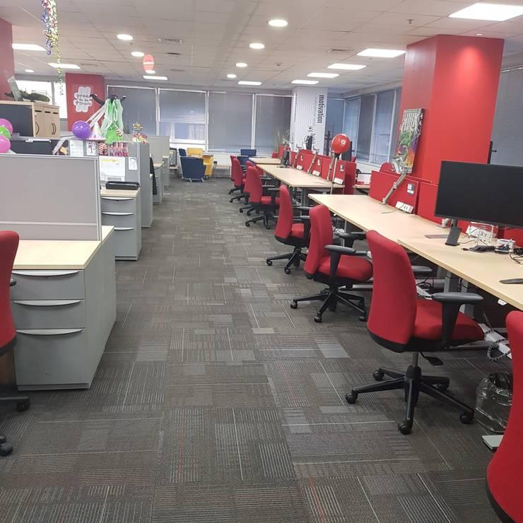 Oficina: Oficinas y Comercios de estilo  por JKrause Construcciones Spa