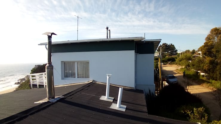 Roof by Lares Arquitectura