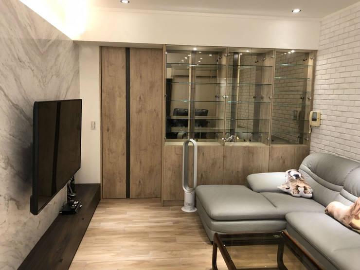 五股成泰路 開放式廚房 造型吧台設計:  地板 by 捷士空間設計(省錢裝潢)