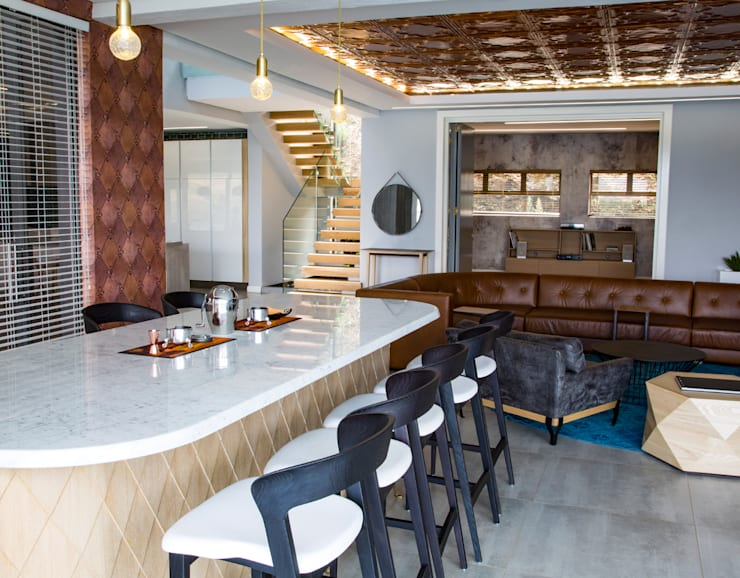 Bar:  Living room by AB DESIGN