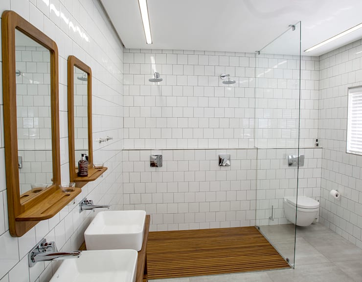 Bathroom:  Bathroom by AB DESIGN