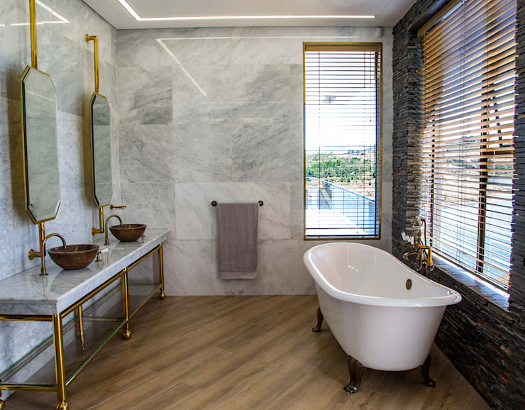 Master Bathroom:  Bathroom by AB DESIGN