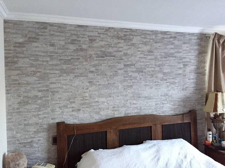 Enchape de fachaleta en muro de dormitorio: Dormitorios de estilo  por Lares Arquitectura