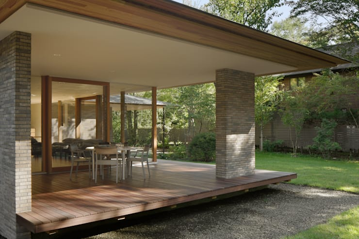 Terrazas de estilo  por atelier137 ARCHITECTURAL DESIGN OFFICE,