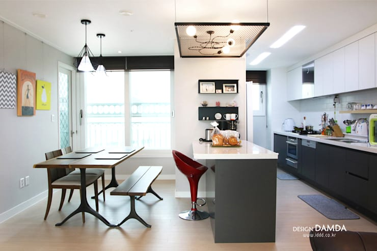 Kitchen by 디자인담다, Modern