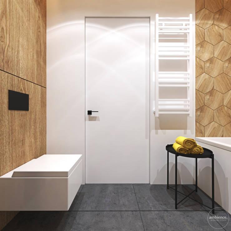 Ciepłe mieszkanie w nowoczesnym stylu: styl , w kategorii Łazienka zaprojektowany przez Ambience. Interior Design