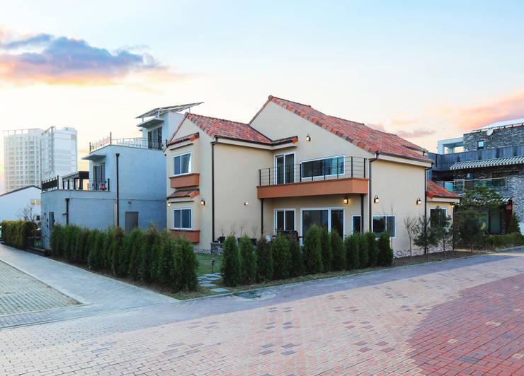 인천 청라 (지중해): 하우스톡의  주택,